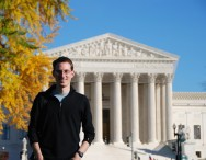 Simon Peart, 2009 Fulbright New Zealand Graduate Student, in front of the US Supreme Court